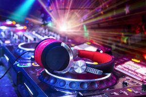 CDJ|2000 & Headphones - LDC Radio - Leeds No.1 Dance Music FM Radio Station-