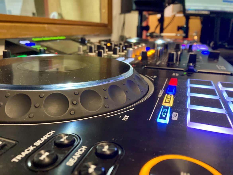 LDC Radio Control - LDC Radio - Leeds No.1 Dance Music FM Radio Station